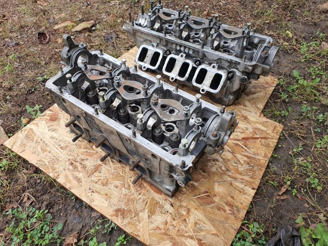 2.5 V6 TDI hengerfej párban